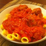 Slow-Cooker Bolognese Sauce with Rigatoni