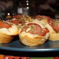 Tomato Pesto & Mozzarella Cups