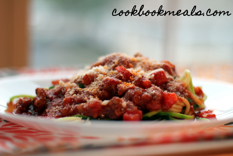 Slow Cooker Meat Sauce with Zucchini Noodles (29)